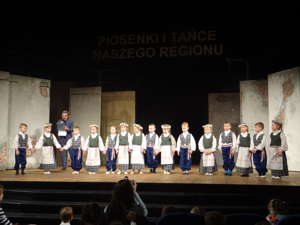 """Festiwal """"Piosenki i Tańce Naszego Regionu"""" w Białymstoku"""